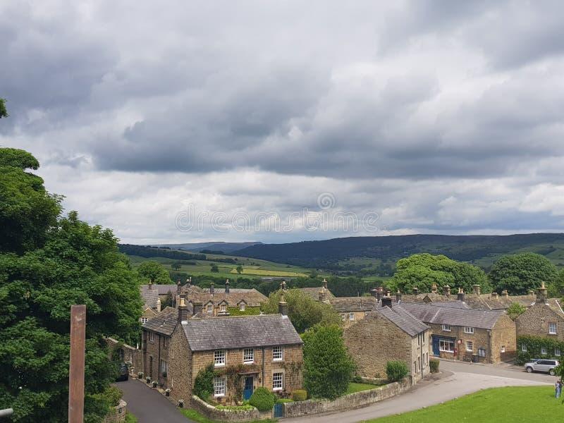 Взгляд над pilsley Дербиширом chatsworth стоковое изображение rf