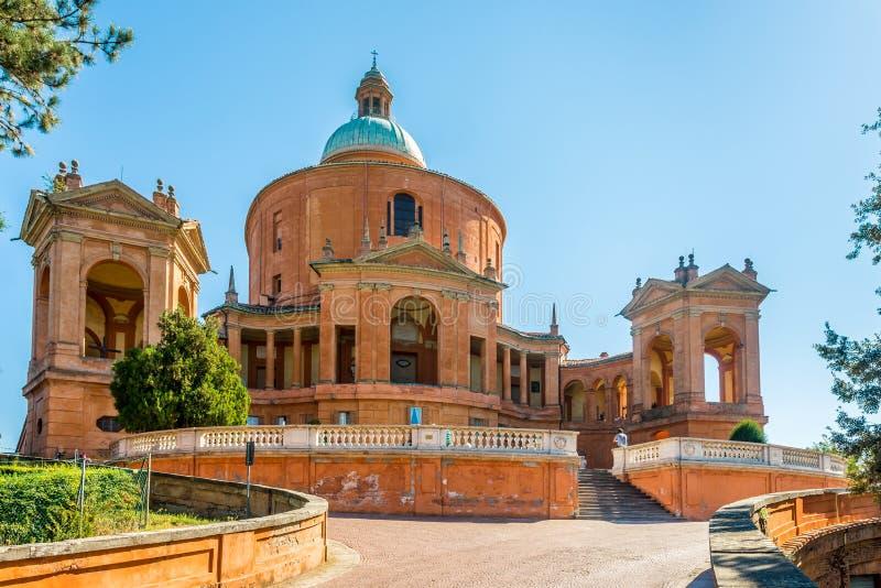 Взгляд на базилике di San Luca Madonna в болонья - Италии стоковое фото