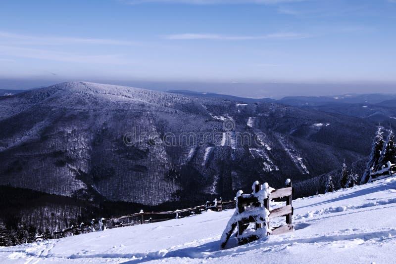 Взгляд на другом холме от hora Lysa на последнем подъеме стоковое фото