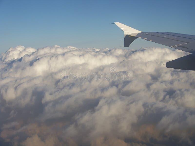 Взгляд на крыле самолета стоковые фото