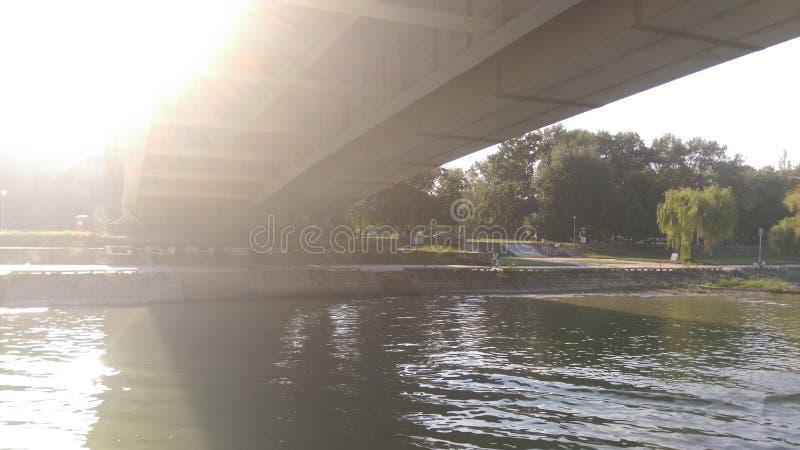 Взгляд на реке и другом побережье стоковые изображения rf