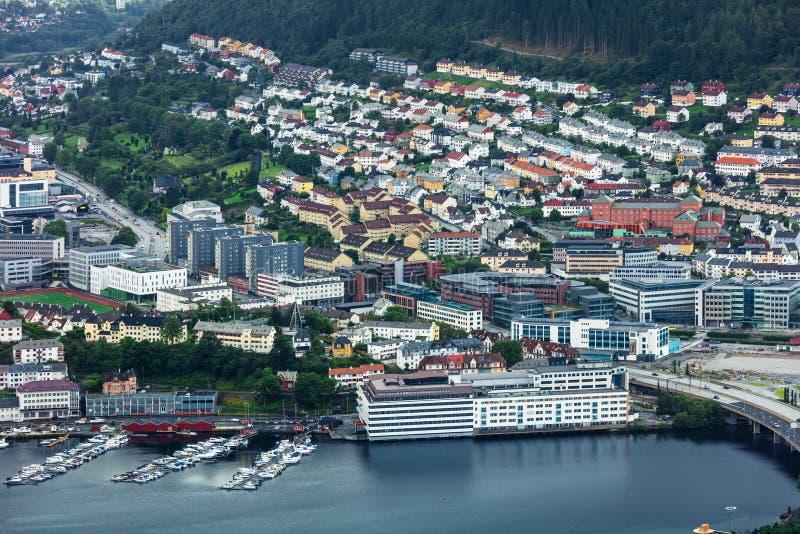 взгляд на северном европейском городе Бергене в Норвегии стоковые фотографии rf