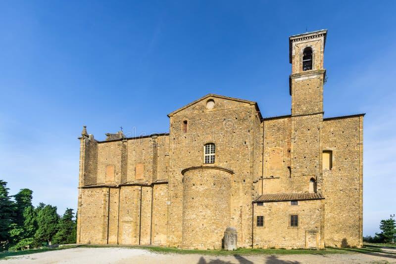 Взгляд на церков Сан Giusto в Volterra, Италии стоковое фото rf