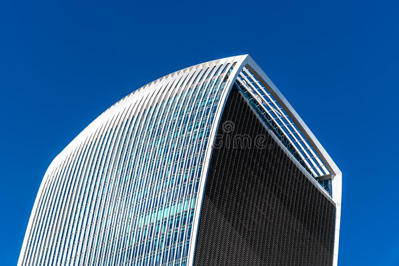Взгляд низкого угла небоскреба улицы 20 Fenchurch в Лондоне стоковые фото