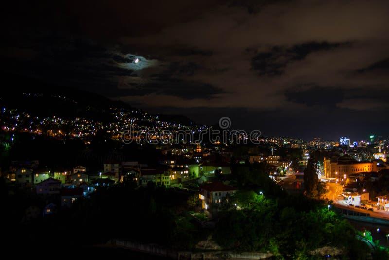 взгляд ночи выдержки города длинний стоковые изображения rf