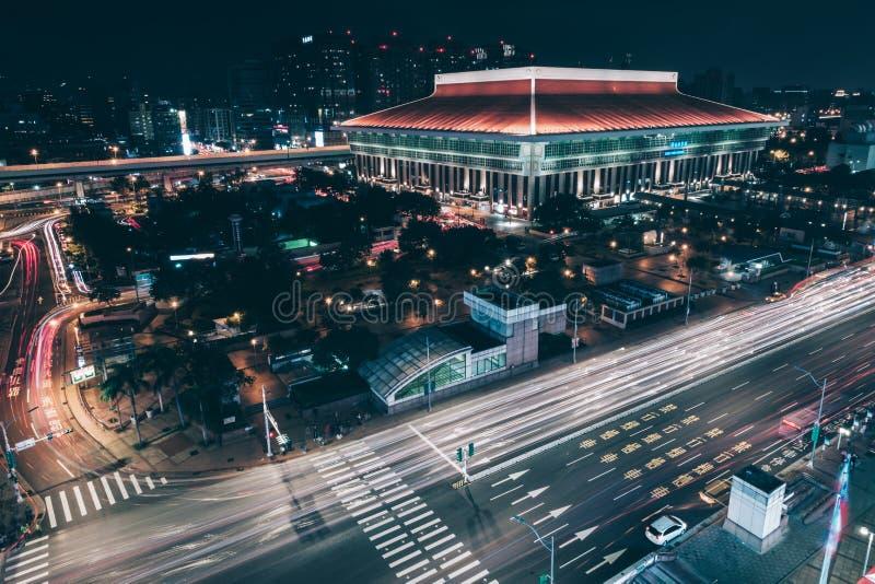 Взгляд ночи главного вокзала Тайбэя стоковое фото