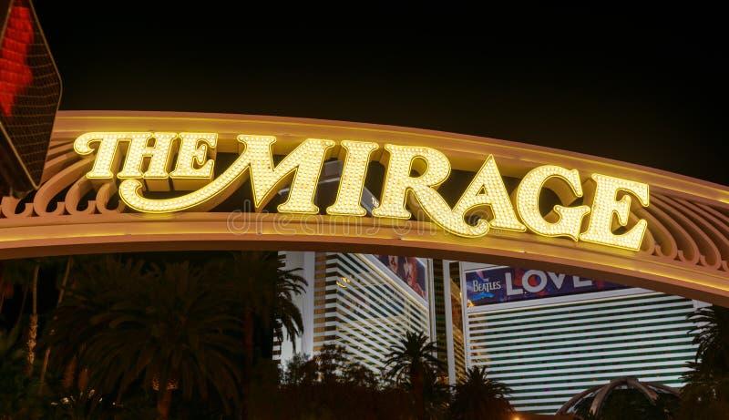 Взгляд ночи гостиницы миража и казино, Лас Вегас Блвд, NV стоковые изображения