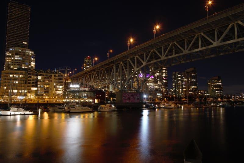 Взгляд ночи моста Granville стоковое изображение