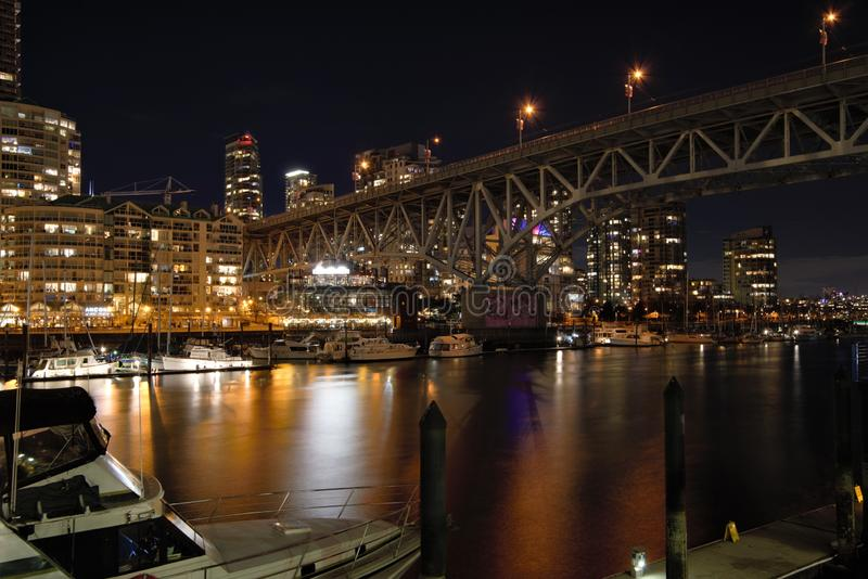 Взгляд ночи моста Granville стоковые изображения rf