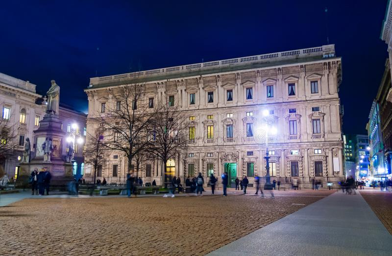 Взгляд ночи della Scala аркады стоковое фото rf