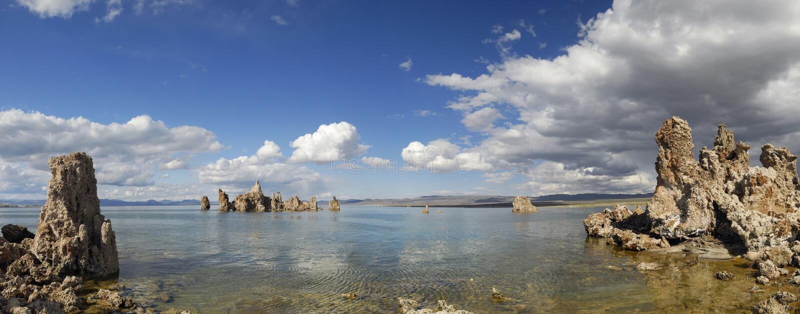 взгляд озера california mono панорамный стоковая фотография rf