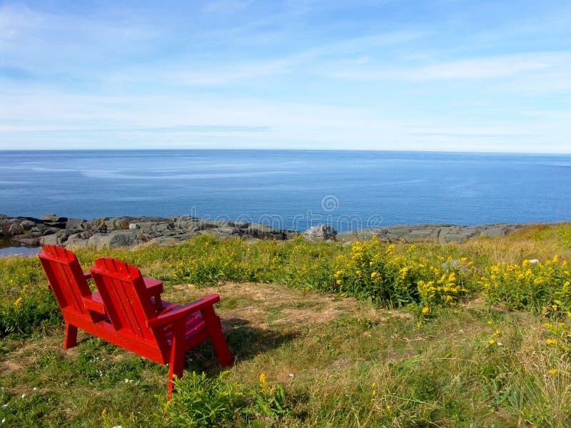 Download взгляд океана стоковое изображение. изображение насчитывающей красно - 6854595