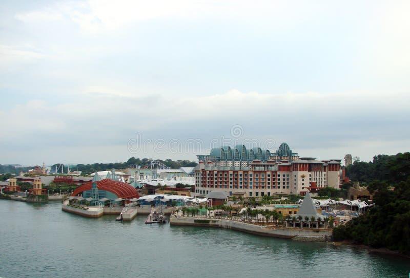 Набережная ландшафтов Сингапура береговой линии от палубы туристического судна стоковое фото rf