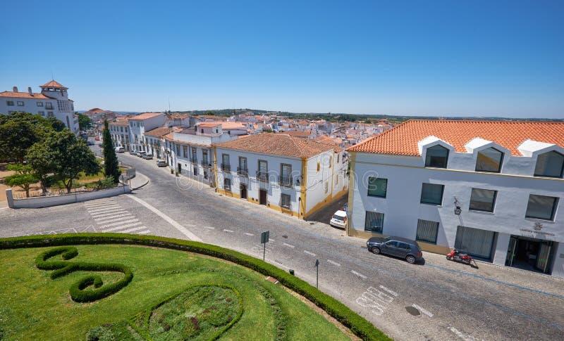 Взгляд от сада Дианы к улице Menino Иисуса Evora Po стоковые фотографии rf