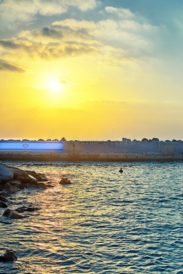 Взгляд от старой Яффы к морскому порту на заходе солнца стоковое фото rf