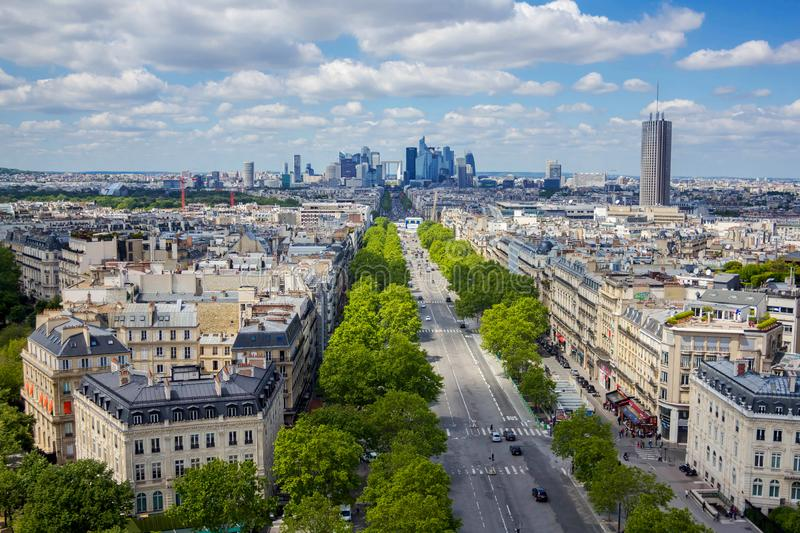 Взгляд от Триумфальной Арки, Парижа, Франции стоковое изображение