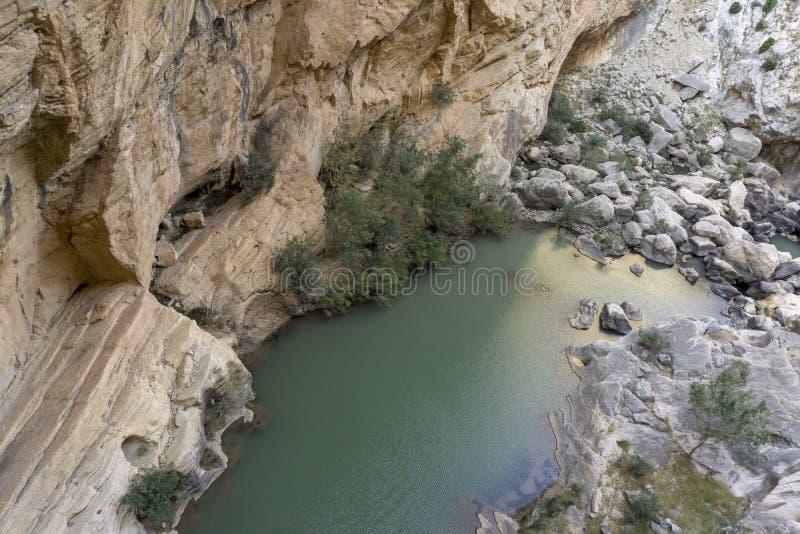 Взгляд от тропы Caminito del Rey горы chorro el P стоковое изображение