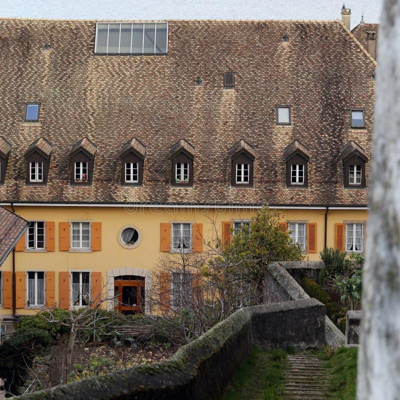 Взгляд от холма расположенного около замка Ньона стоковые изображения