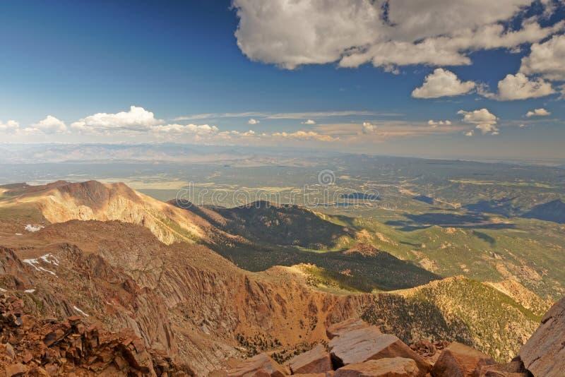 Взгляд от щук выступает около Колорадо-Спрингс в Колорадо стоковое фото rf
