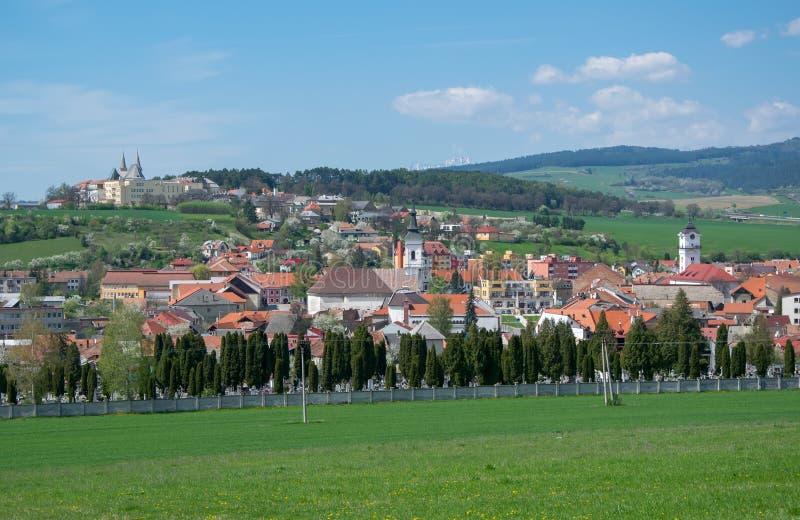 Взгляд панорамы городка Spisske Podhradie, Словакии стоковое фото rf