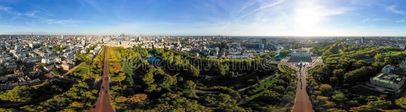 Взгляд панорамы 360 градусов воздушного горизонта города Лондона широкий стоковые изображения rf