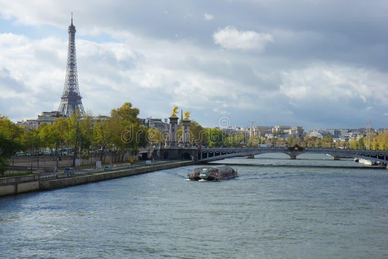Взгляд Париж панорамный от Seine стоковое фото rf