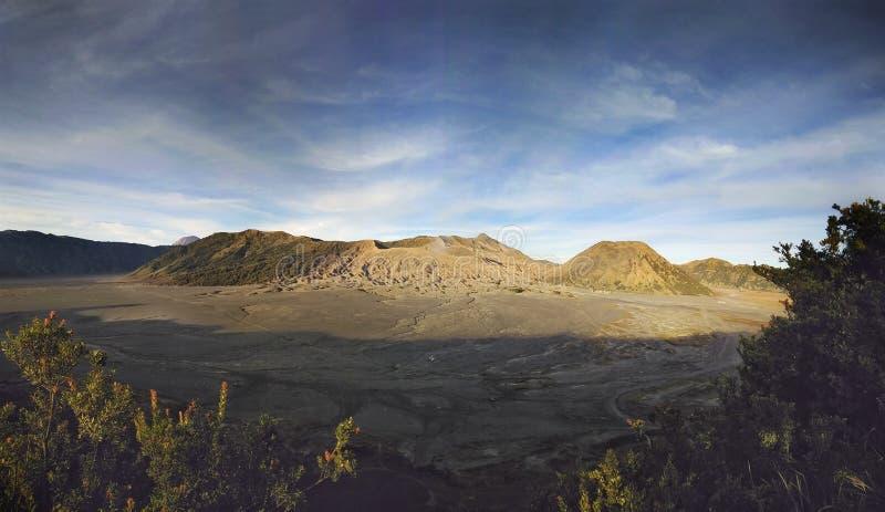 Взгляд пейзажа semeru East Java Индонезии горы bromo стоковые изображения
