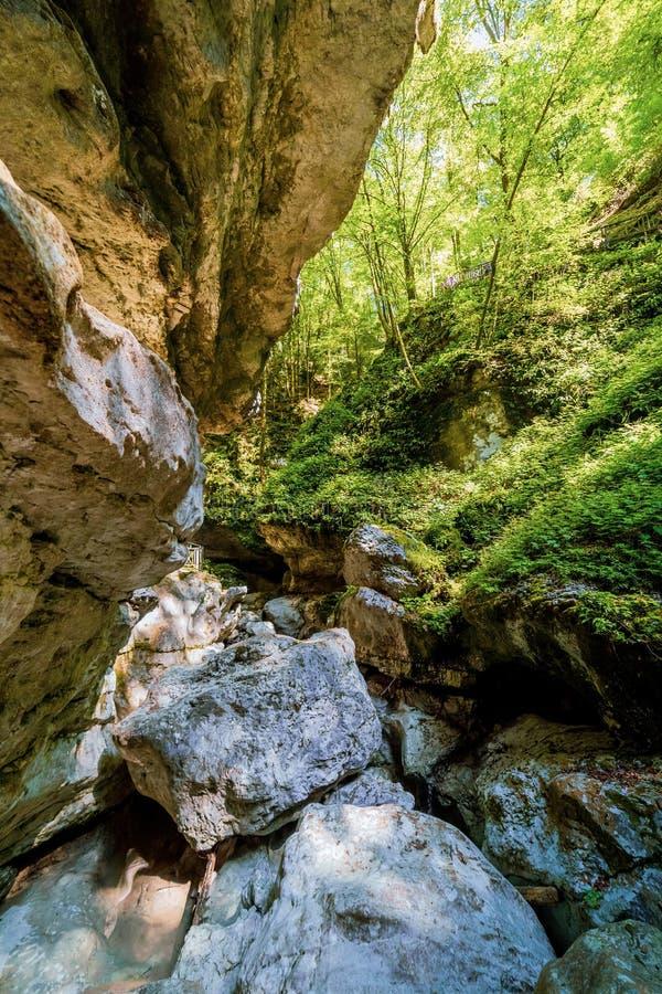 Взгляд пещеры Pradis, n Friuli Venezia giulia, Италия стоковая фотография rf