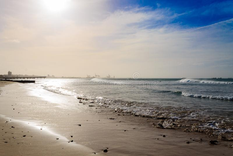 Взгляд пляжа Port Elizabeth, панорама Южной Африки стоковое фото rf