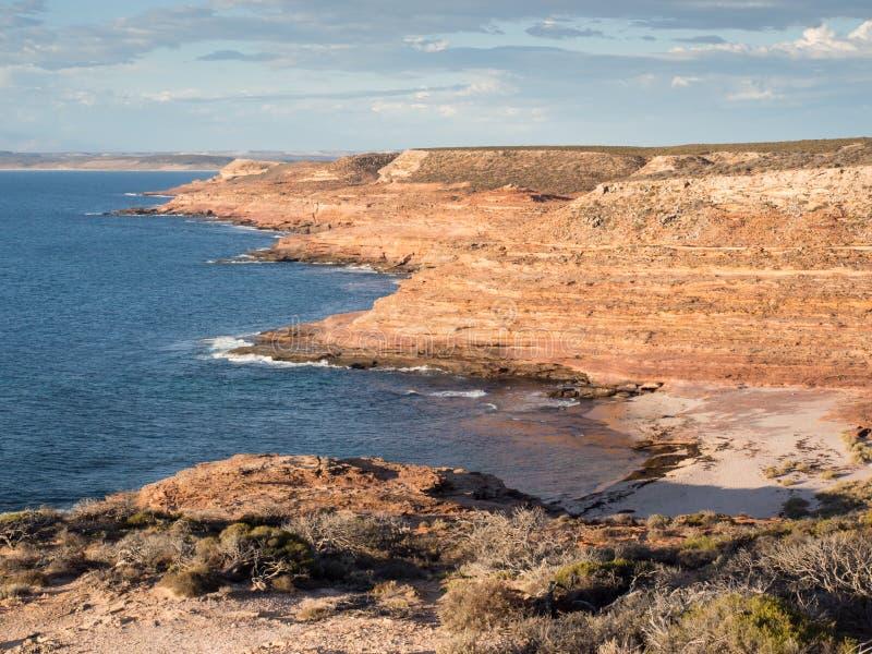 Взгляд прибрежных скал в национальном парке Kalbarri, западной Австралии стоковое фото