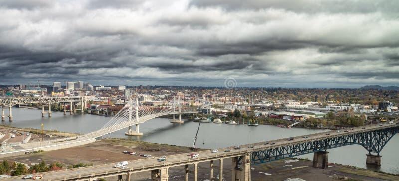 Взгляд района портового района Портленда городской стоковые фотографии rf