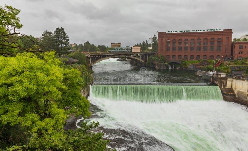 Взгляд реки и водопада Spokane от моста стоковое фото rf