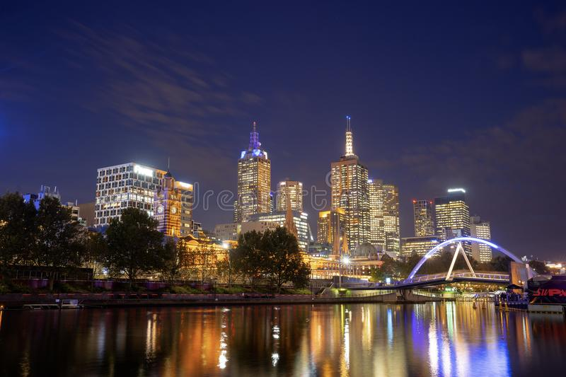Взгляд реки Yarra и горизонта Мельбурна от принцев Моста, I стоковое изображение rf