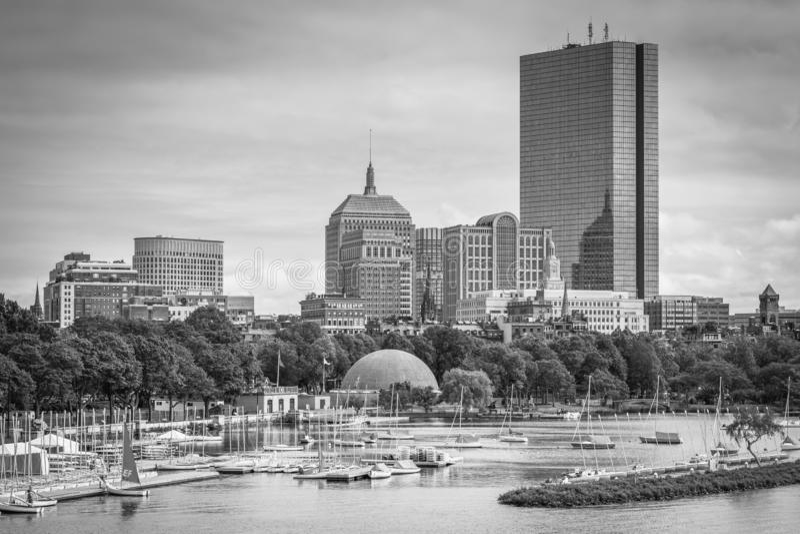 Взгляд Рекы Charles и заднего залива от моста Longfellow, в Бостон, Массачусетс стоковая фотография