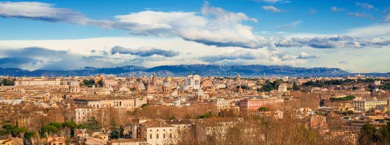 Взгляд Рима исторический разбивочный стоковые фотографии rf