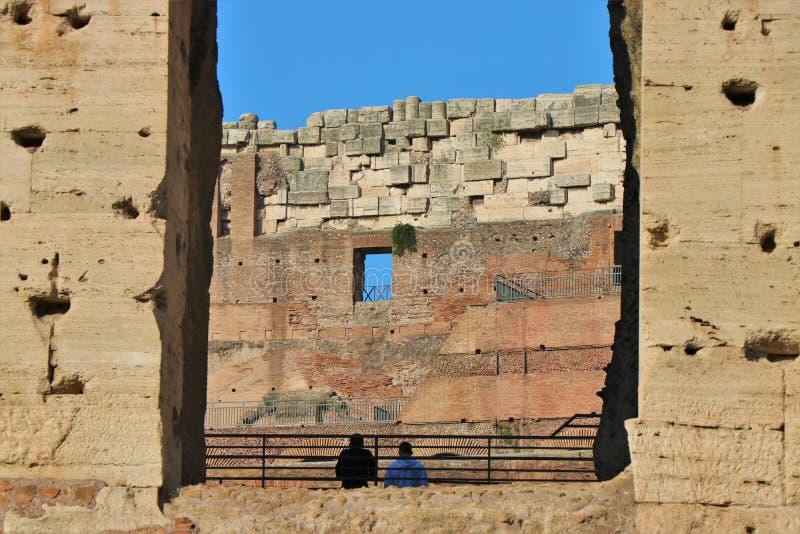 Взгляд Рима, Италии - Colosseum стоковое фото rf