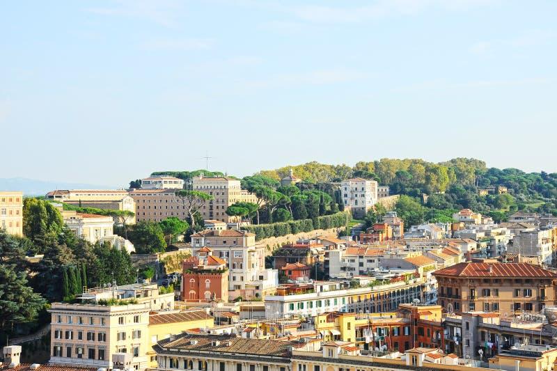 Взгляд Рима от базилики St Peter st vatican peter rome s фонтана города bernini базилики предпосылки квадратный стоковые фотографии rf