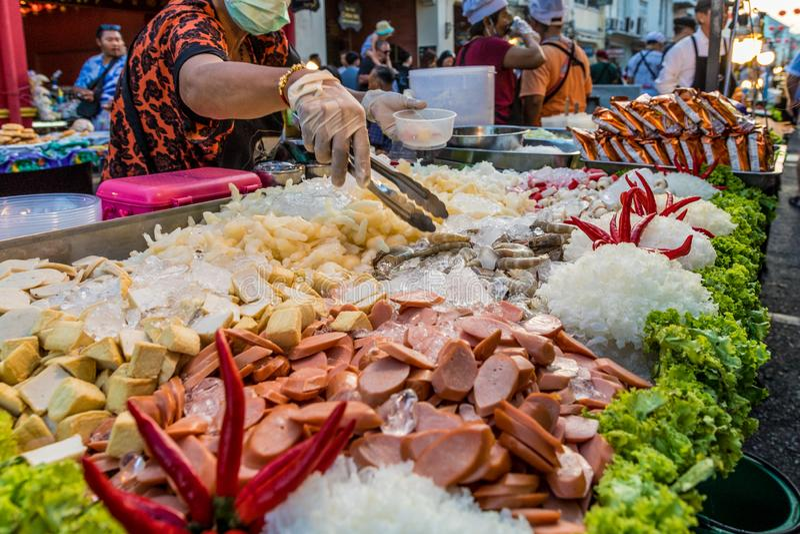 Взгляд рынка в городке Пхукета старом стоковое фото