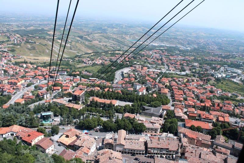 Взгляд Сан-Марино от фуникулярного стоковое изображение