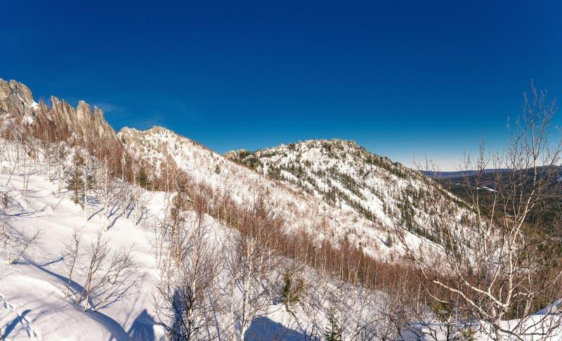взгляд сверху горы панорамный стоковое фото