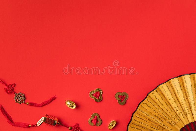 взгляд сверху декоративных восточных вентилятора и украшений стоковое фото