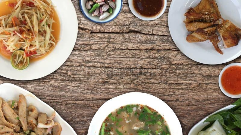 Взгляд сверху, еда плоского положения тайская стоковые фото