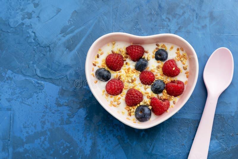 Взгляд сверху еды здорового молокозавода утра очень вкусный стоковое изображение