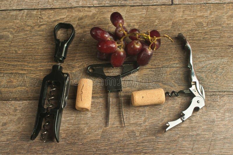 Взгляд сверху, конец вверх штопоров вина стоковое изображение