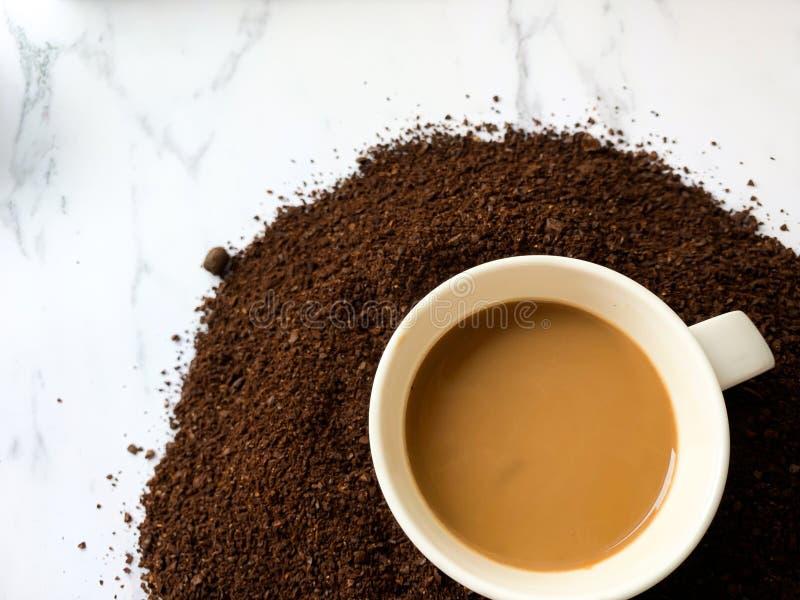 Взгляд сверху кофейной чашки стоковая фотография rf