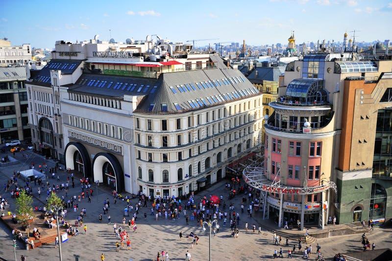 Взгляд сверху метро Lubyanka и улицы Nikolskaya стоковое изображение