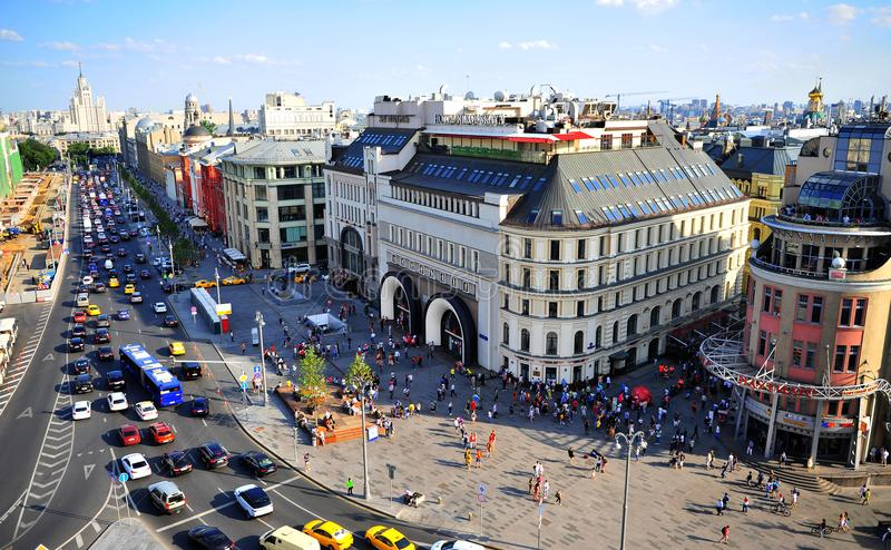 Взгляд сверху метро Lubyanka и улицы Nikolskaya стоковое изображение rf