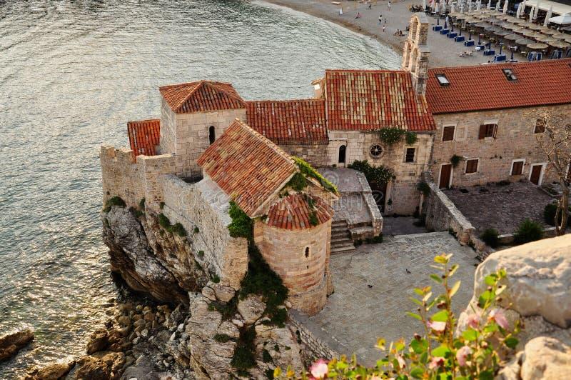 Взгляд сверху на старом городке Budva в Budva, Черногории стоковые изображения