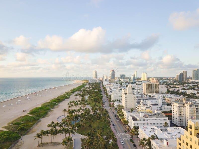 Взгляд сверху привода океана Южный пляж Майами стоковая фотография