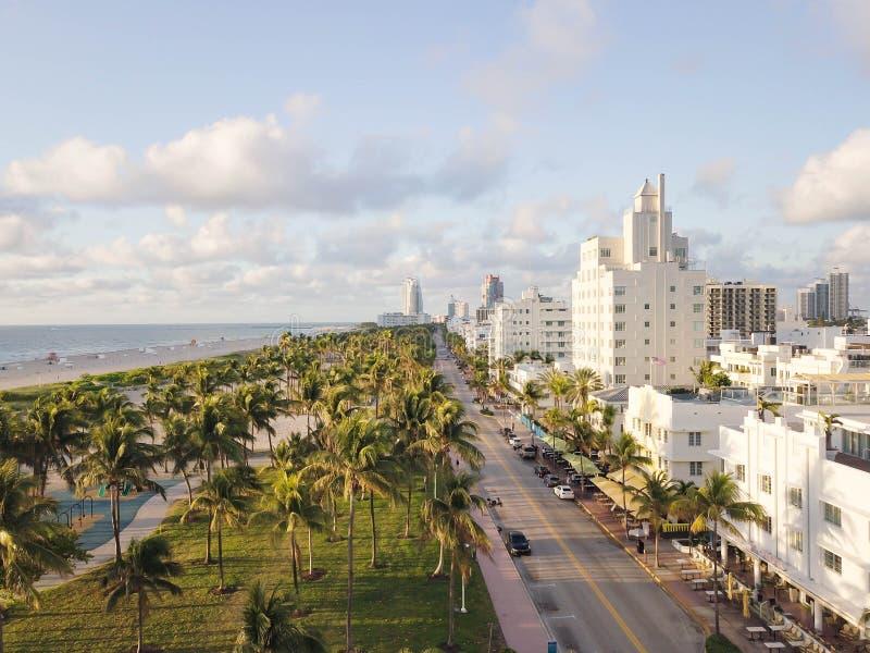 Взгляд сверху привода океана Южный пляж Майами стоковые фотографии rf